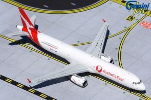 Qantas Freight Australia Post Airbus A321P2F VH-ULD GeminJets GJQFA1955 scale 1:400