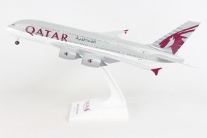 Qatar Airbus A380 A7-APA with stand Skymarks SKR1062 Scale 1:200