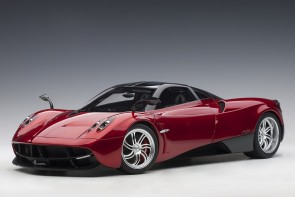 Red Pagani Huayra with silver wheels AUTOart 12234 scale 1:12