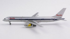 Republic Airlines 757-200 N606RC NW scheme, left engine with Royal Brunei cowling (1:400) NG53037