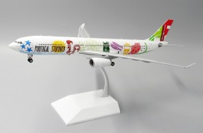 """TAP Portugal Retro Airbus A330-300 """"Stopover"""" Reg# CS-TOW stand LH2TAP091 Scale 1:200"""