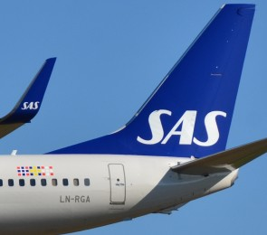 SAS Scandinavian 737-800 winglets  LN-RGA stand Hogan HG10932G 1:200