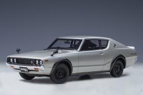 Silver Nissan Skyline GT-R (KPGC110), Standard Version, Silver AUTOart 77471 scale 1:18