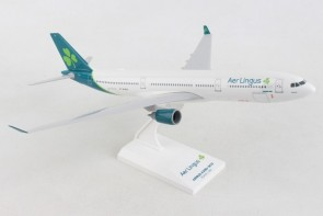 Aer Lingus Airbus A330-300 EI-ELA new livery with stand Skymarks SKR1024 scale 1:200