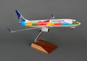 Skymarks Copa W/Gear & Wood Stand 737-800 1/100