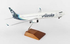 Alaska 737-900 2016 New Livery Gear and Stand Skymark SKR8259 Scale 1:100