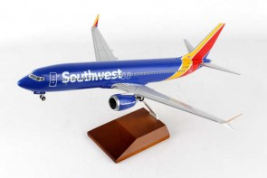 Southwest 737-Max 8 Reg# N8706W Wood stand &Gears Skymarks Supreme SKR8268 Scale 1:100