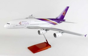1:100 Thai Airways A380 Reg# HS-TUF Stand and Gears Skymarks SKR8505 Scale 1:100