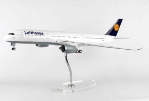 New Mould! Lufthansa A350 Wood Stand & Gears Skymarks SKR8805 1:100