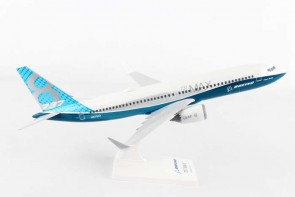 Boeing Factory B737-Max8 w/stand Skymarks SKR935 scale 1:130