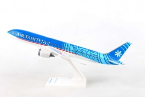 Air Tahiti Nui Boeing B787-9 With Stand Skymarks SKR976 scale 1:200