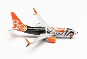 """Skyup Airlines Boeing 737-700 UR-SQE """"Shaktar Donetsk"""" die-cast Herpa Wings 535731 scale 1:500"""