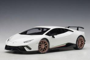 Solid White Lamborghini Huracan Performante AUTOart 79151 scale 1:18