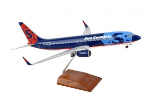 Sun Country Boeing 737-800 w Wood Stand Reg# N801SY Skymark SKR8235 Scale 1100