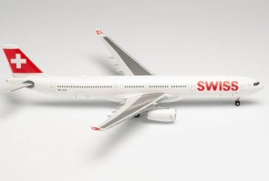 "Swiss Airbus A330-200 ""Bern"" HB-JHF Herpa Wings 571685 plastic scale 1:200"
