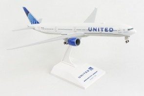 United New Livery Boeing 777-300 N2749U with stand & gears Skymarks SKR1054 scale 1:200