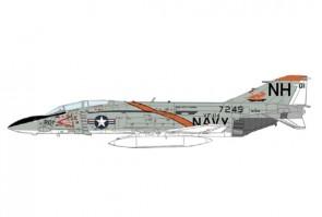 "US Navy F-4J Phantom II ""MiG-21 Killer,"" VF-114 ""Aardvarks,"" USS Kitty Hawk, 1972 Hobby Master HA19034W scale 1:72"