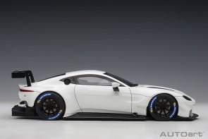 White Aston Martin Vantage GTE Le Mans Pro 2018 AUTOart 81806 Scale 1:18