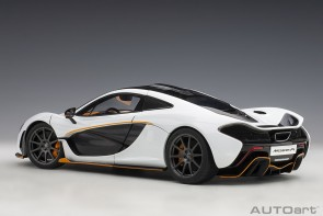 White McLaren P1 Alaska diamond with black accents die-cast AUTOart Model 76064 scale 1:18