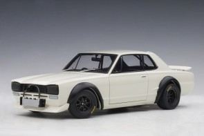 White Nissan Skyline GT-R (KPGC-10) Racing 1972 AUTOart 87279 scale 1:18