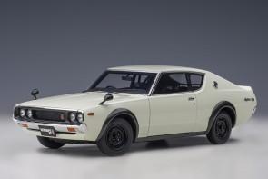 White Nissan Skyline GT-R (KPGC110), Standard Version, white AUTOart 77472 scale 1:18
