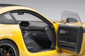 Yellow Mercedes AMG GT R Solarbeam metallic AUTOart 76332 scale 1:18